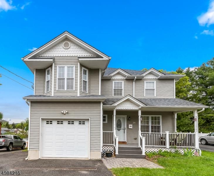 Single Family Homes 为 销售 在 Dover Township, 新泽西州 07801 美国