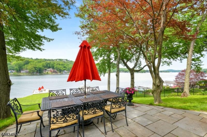Single Family Homes для того Продажа на Byram Township, Нью-Джерси 07871 Соединенные Штаты