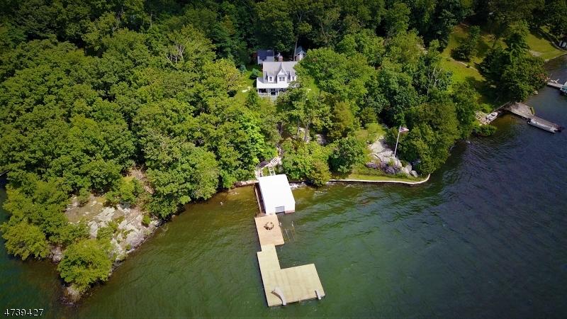 Single Family Homes pour l Vente à Jefferson Township, New Jersey 07849 États-Unis
