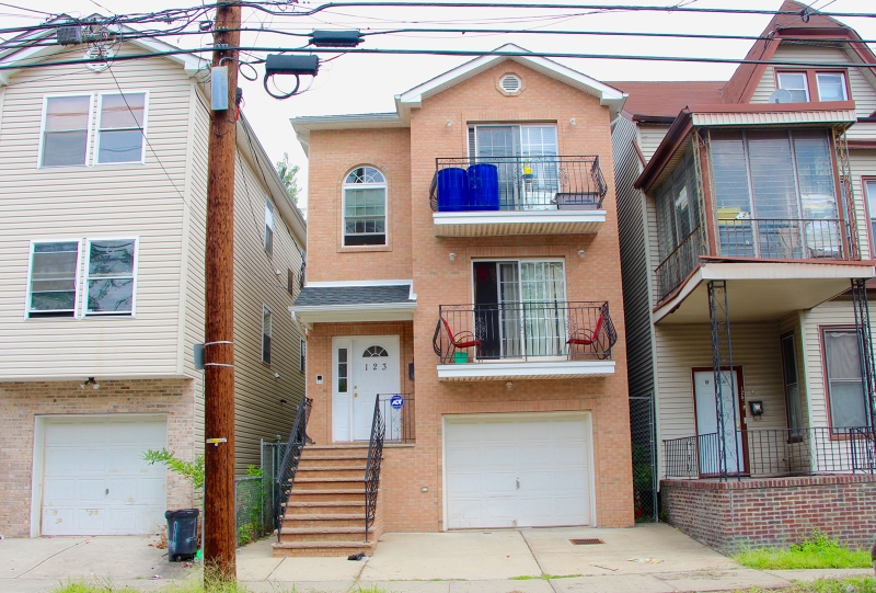 Additional photo for property listing at 123 12th Avenue  Paterson, New Jersey 07501 United States
