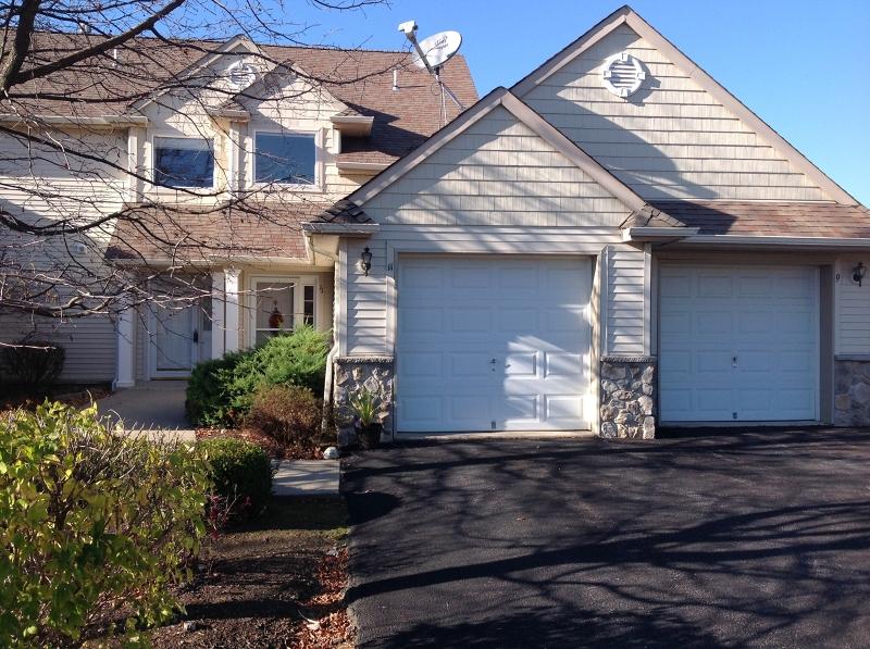 独户住宅 为 销售 在 9 Beardslee Circle 汉堡, 新泽西州 07419 美国