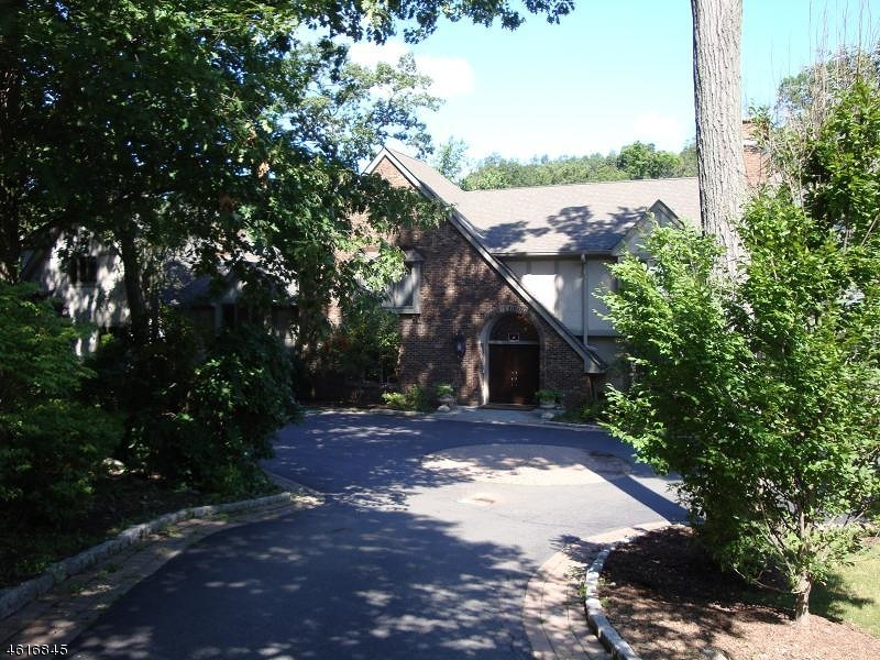 Additional photo for property listing at 408 Saddle Back Trail  Franklin Lakes, New Jersey 07417 United States
