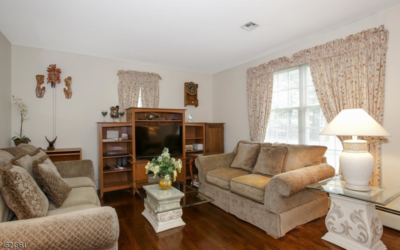 Additional photo for property listing at 11 Wilson Road  Somerset, New Jersey 08873 United States