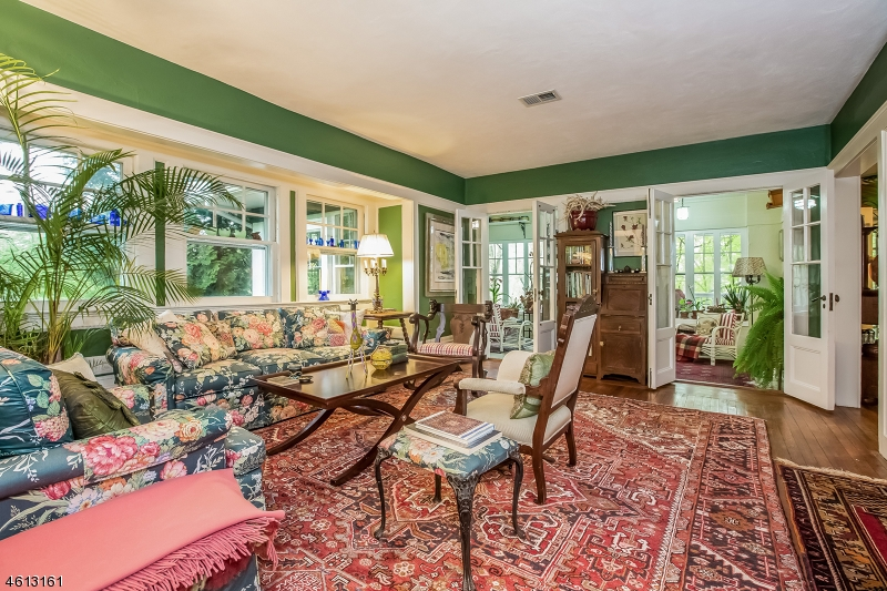 Additional photo for property listing at 1010 N Mountain Avenue  Bound Brook, New Jersey 08805 États-Unis