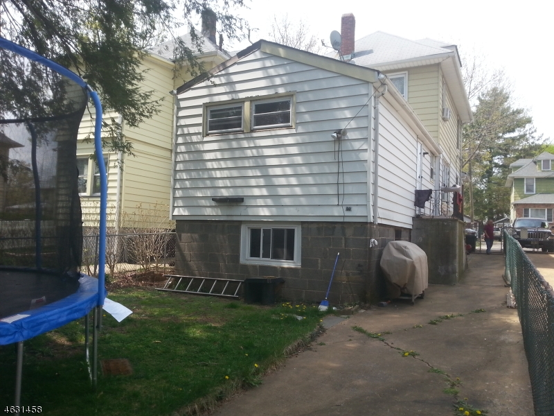 Additional photo for property listing at 17 Roosevelt Avenue  Ridgefield Park, New Jersey 07660 United States