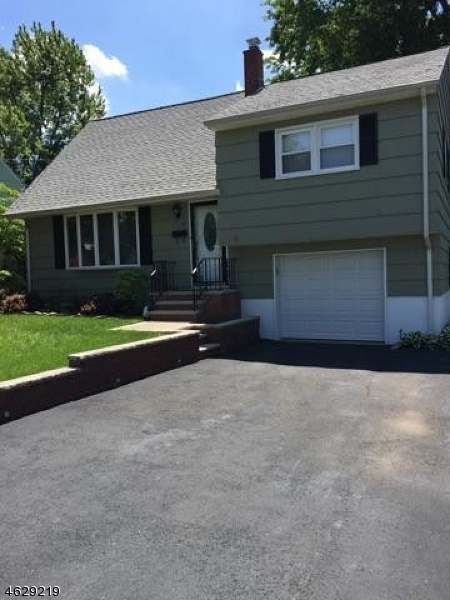 Additional photo for property listing at 15 Holly Street  Clifton, Nueva Jersey 07013 Estados Unidos