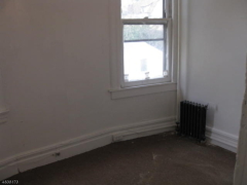 Additional photo for property listing at 81 Oakland Ter  Newark, Nueva Jersey 07106 Estados Unidos
