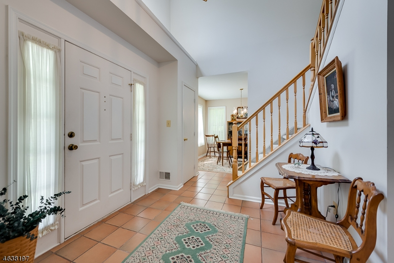 Additional photo for property listing at 61 Weatherhill Road  Hamburg, New Jersey 07419 États-Unis