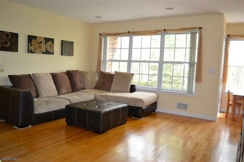 Частный односемейный дом для того Аренда на 303 Appleton Way Whippany, Нью-Джерси 07981 Соединенные Штаты