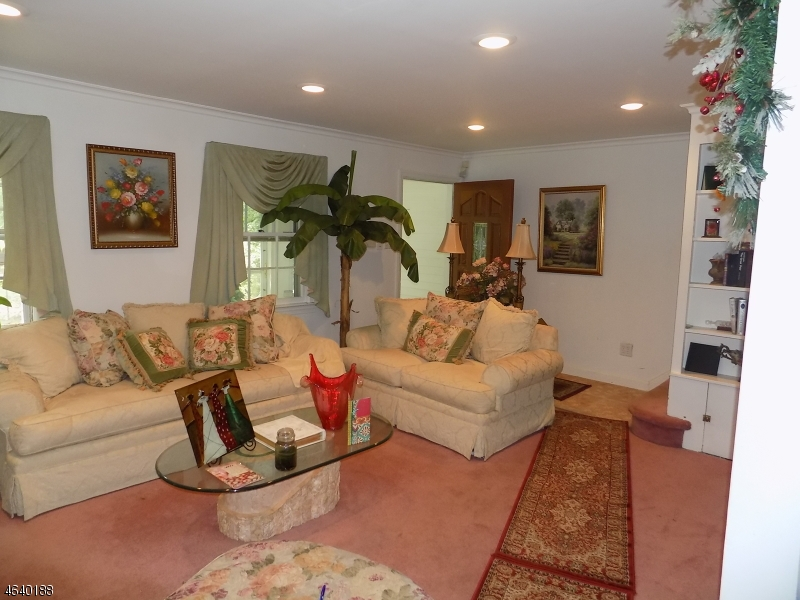 Additional photo for property listing at 276 Ogden Way  Hillside, New Jersey 07205 United States