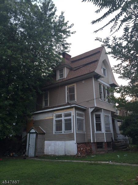 Additional photo for property listing at 40 W End Avenue  Newark, New Jersey 07106 États-Unis