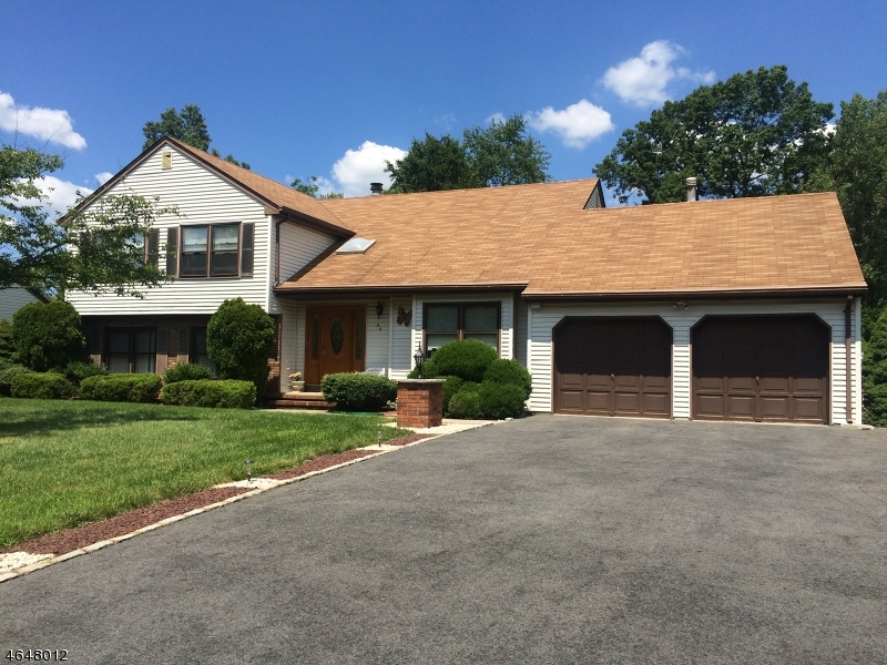 Additional photo for property listing at 33 Dartmoor Road  East Hanover, New Jersey 07936 United States