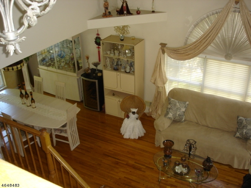 Additional photo for property listing at 33 Ryan Lane  Lincoln Park, New Jersey 07035 États-Unis