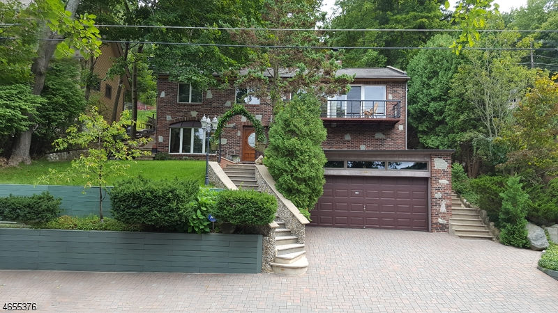 Additional photo for property listing at 21 Maple Pkwy  Sparta, New Jersey 07871 États-Unis