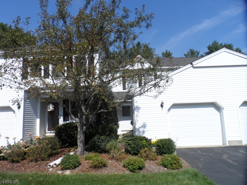 Casa Unifamiliar por un Venta en 77 Carriage Lane Newton, Nueva Jersey 07860 Estados Unidos