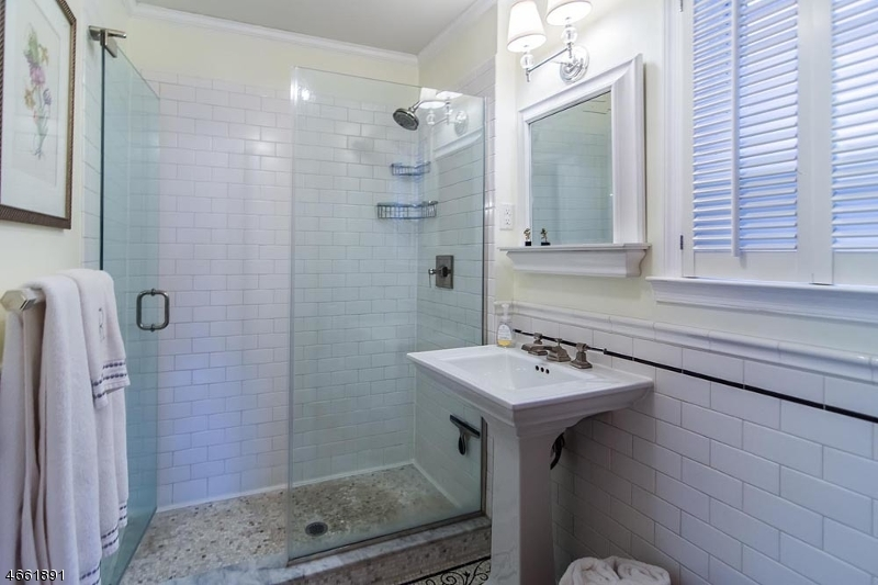 Additional photo for property listing at 532 Undercliff Avenue  Edgewater, Nueva Jersey 07020 Estados Unidos