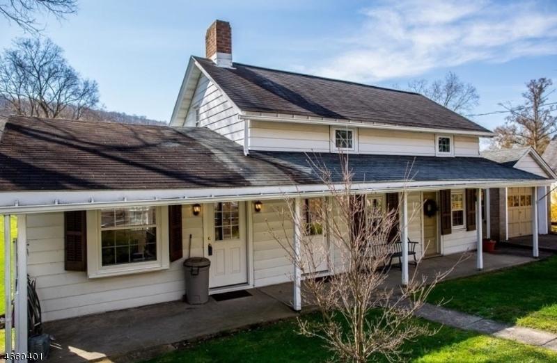 Частный односемейный дом для того Аренда на 158 County Road 627 Phillipsburg, Нью-Джерси 08865 Соединенные Штаты