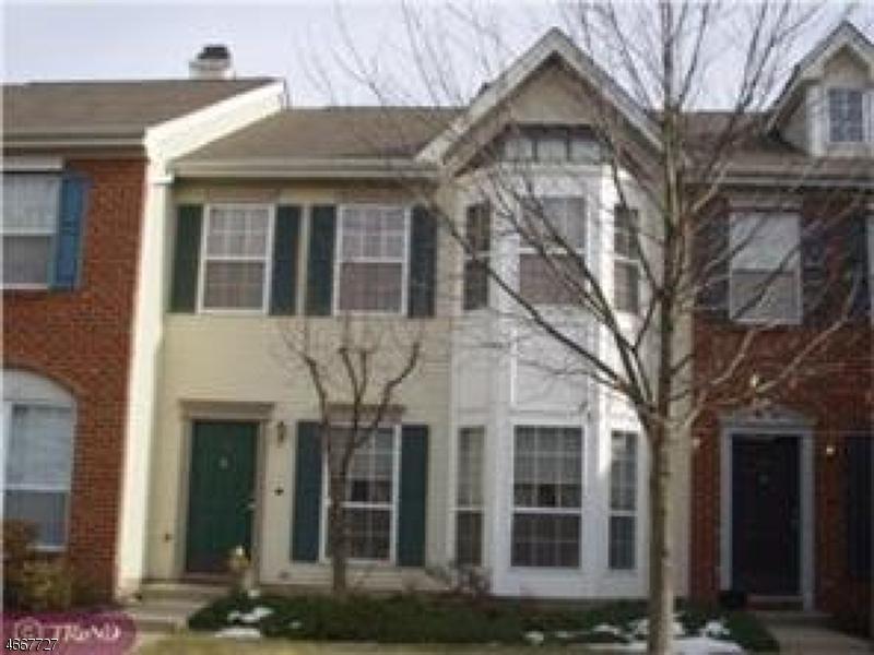 独户住宅 为 出租 在 30 Balboa Lane 富兰克林公园, 08823 美国