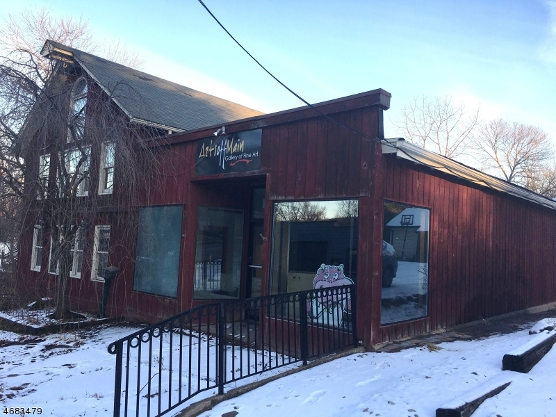 Commercial pour l Vente à 128 Willow Grove Street Hackettstown, New Jersey 07840 États-Unis