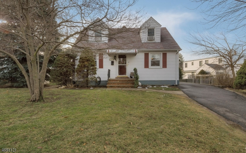 Single Family Home for Sale at 1024 Carnation Drive New Milford, New Jersey 07646 United States