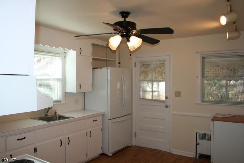 Частный односемейный дом для того Аренда на 6 Potter Street New Providence, Нью-Джерси 07974 Соединенные Штаты