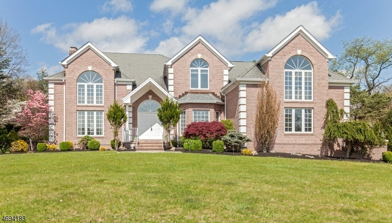 Single Family Home for Sale at 31 Beacon Hill Drive Chester, 07930 United States