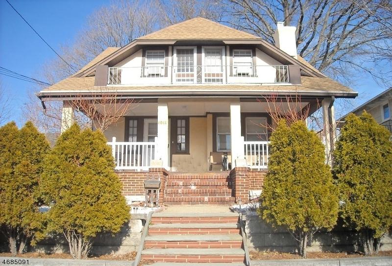 Частный односемейный дом для того Продажа на 1011 Linden Avenue Ridgefield, Нью-Джерси 07657 Соединенные Штаты