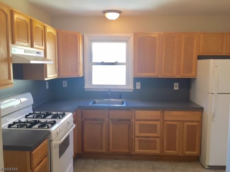 独户住宅 为 出租 在 1315 Biscayne Blvd Union, 新泽西州 07083 美国