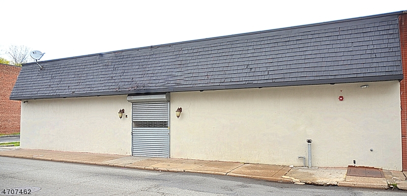 Commercial for Sale at 14 N Center Street Orange, New Jersey 07050 United States