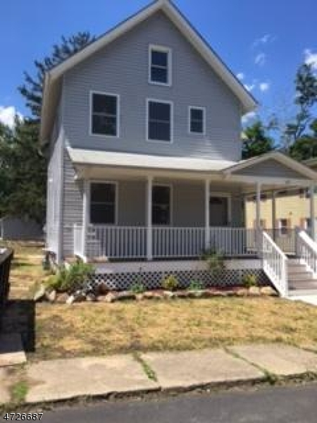Maison unifamiliale pour l à louer à 127 Railroad Ave, B Washington, New Jersey 07882 États-Unis