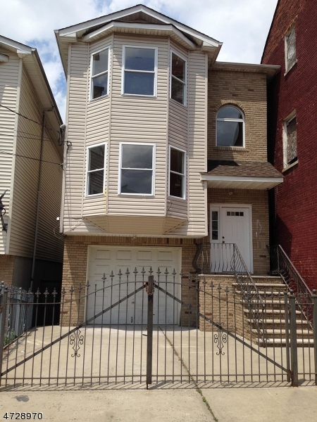 Multi-Family Home for Sale at 102 Highland Avenue Newark, New Jersey 07104 United States