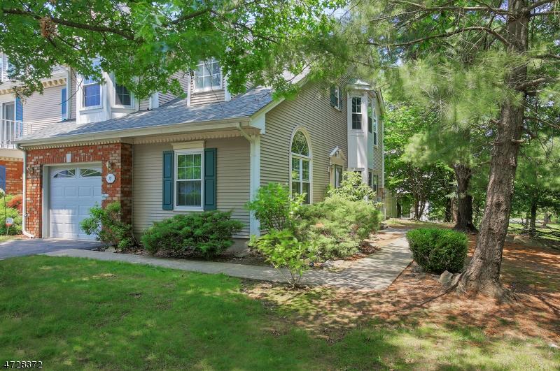 Maison unifamiliale pour l à louer à 71 Sapphire Lane Franklin, New Jersey 08823 États-Unis