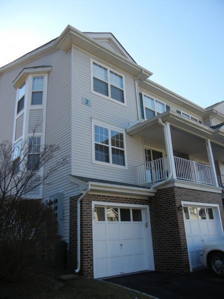 Частный односемейный дом для того Аренда на 201 Sheffield Court Denville, Нью-Джерси 07834 Соединенные Штаты