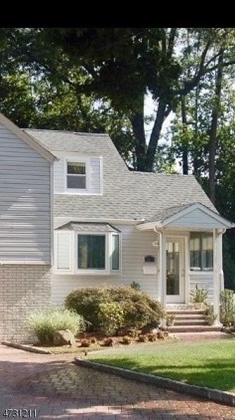 Maison unifamiliale pour l à louer à 41 Newton Road Wayne, New Jersey 07470 États-Unis