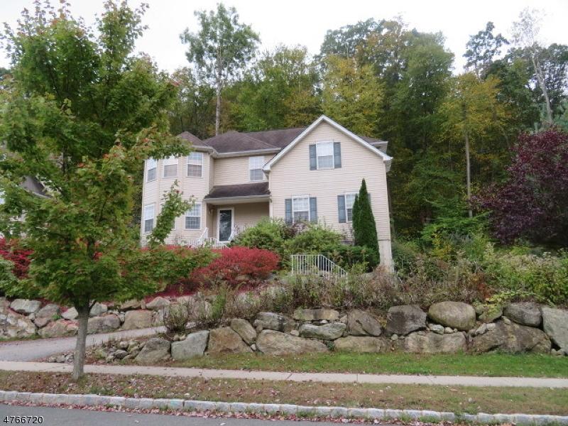 Μονοκατοικία για την Πώληση στο 11 Bowers Drive Allamuchy, Νιου Τζερσεϋ 07840 Ηνωμενεσ Πολιτειεσ