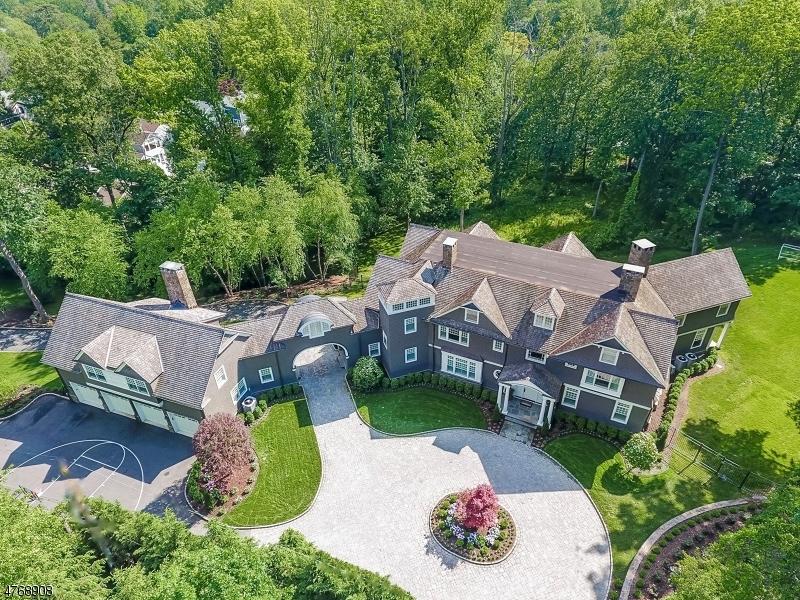 Maison unifamiliale pour l Vente à 71 Hillside Avenue Millburn, New Jersey 07078 États-Unis