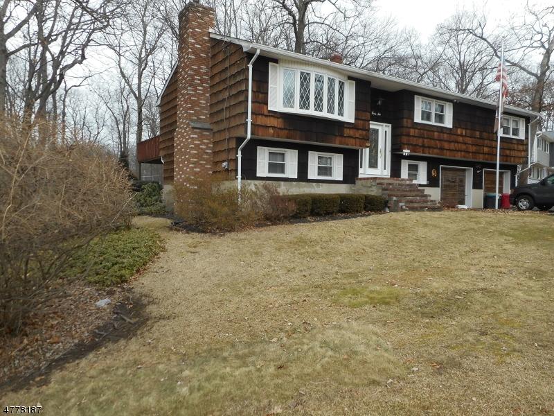 Single Family Home for Sale at 31 Sandra Lane 31 Sandra Lane Bloomingdale, New Jersey 07403 United States