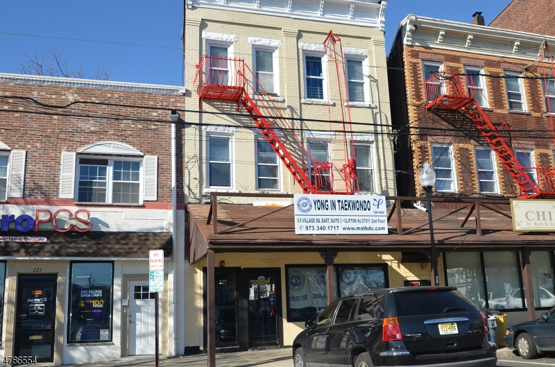 Commercial for Sale at 227 DAYTON Avenue 227 DAYTON Avenue Clifton, New Jersey 07011 United States