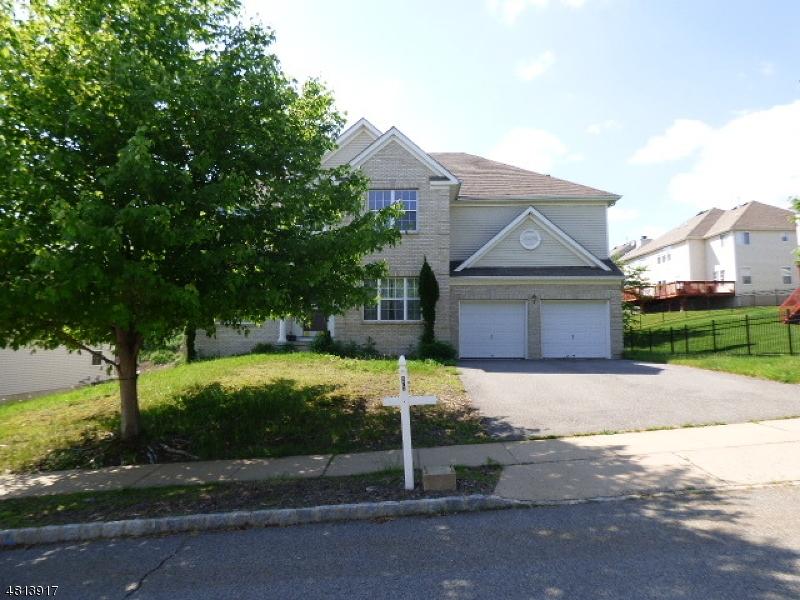 独户住宅 为 销售 在 672 SKYLINE Drive Jefferson Township, 新泽西州 07849 美国