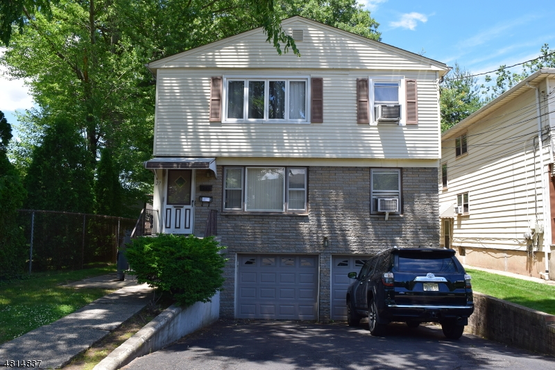 Maison unifamiliale pour l à louer à 27 TARANTO Court Maplewood, New Jersey 07040 États-Unis