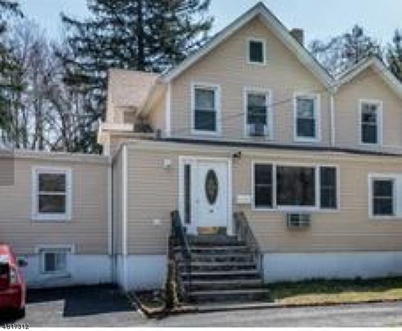 Maison unifamiliale pour l Vente à 69 WEST Street Closter, New Jersey 07624 États-Unis