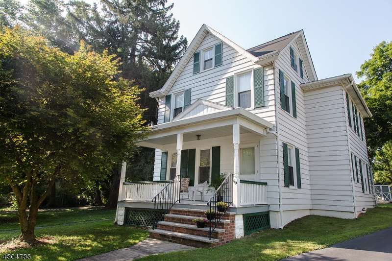 Single Family Home for Sale at 165 Washington Street Rocky Hill, New Jersey 08553 United States