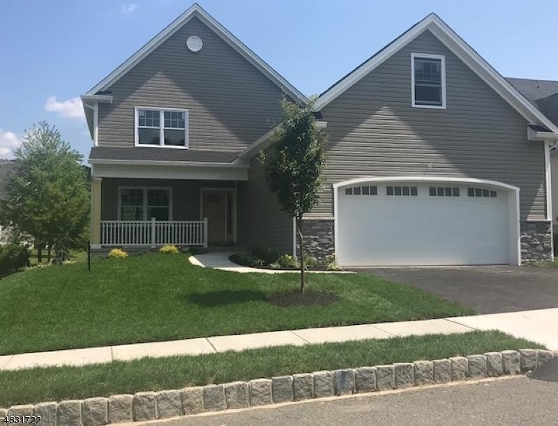 Tek Ailelik Ev için Satış at 89 BLUFFS Court Hamburg, New Jersey 07419 Amerika Birleşik Devletleri