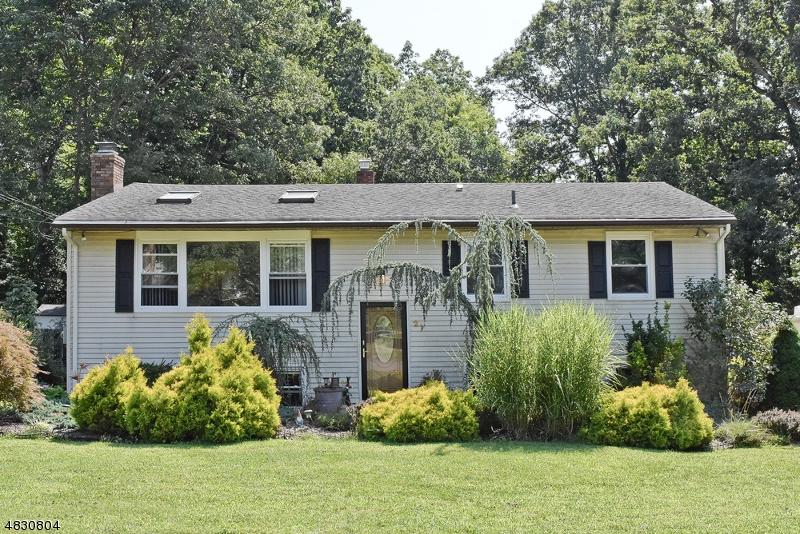 独户住宅 为 销售 在 27 MIRROR Place Jefferson Township, 新泽西州 07438 美国