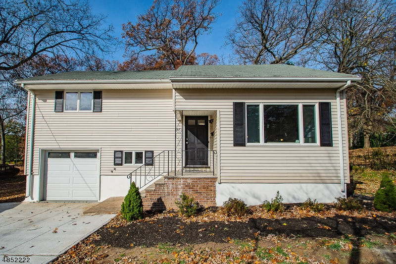 Single Family Home for Sale at 197 ERIE AVE Midland Park, New Jersey 07432 United States