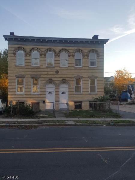 多戶家庭房屋 為 出售 在 117 TREMONT Avenue East Orange, 新澤西州 07018 美國