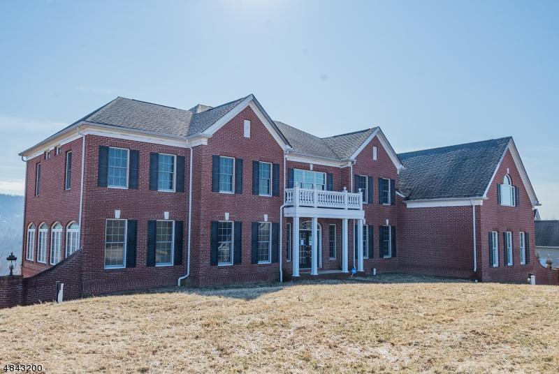 Частный односемейный дом для того Продажа на 114 FINCH Road Ringwood, Нью-Джерси 07456 Соединенные Штаты