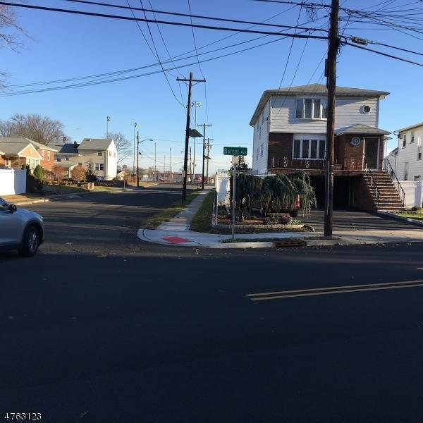 Maison avec plusieurs logements pour l Vente à 1055 BURNET Avenue Union Township, New Jersey 07083 États-Unis