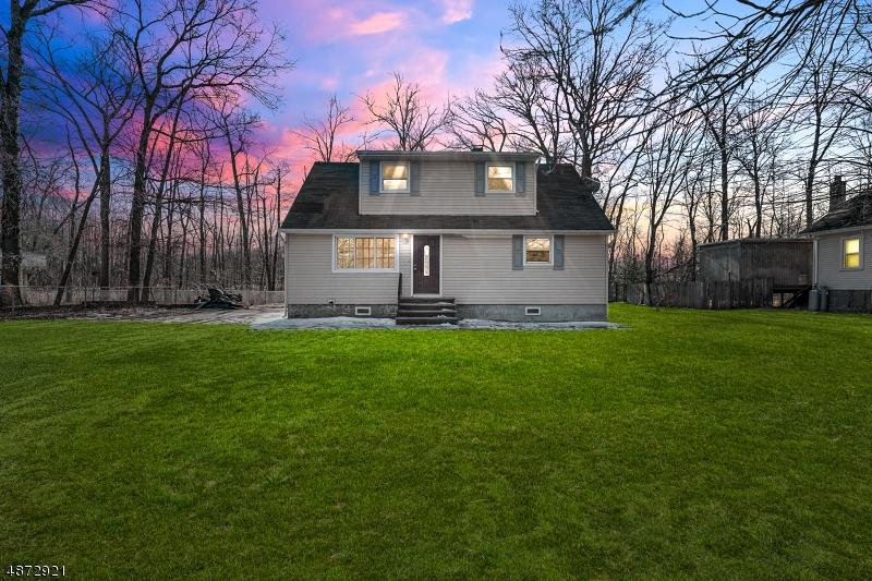 Tek Ailelik Ev için Satış at 65 CAMP LANE ROAD Fairfield, New Jersey 07004 Amerika Birleşik Devletleri