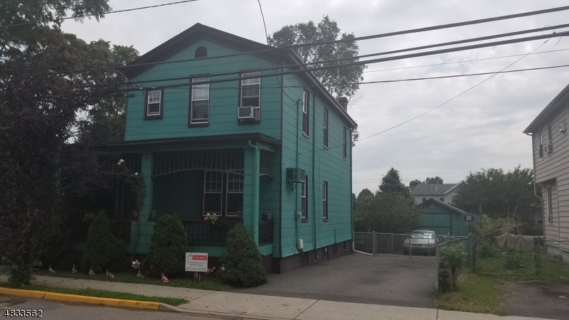 Single Family Home for Sale at 172 E PARK PL 172 E PARK PL Wood Ridge, New Jersey 07075 United States